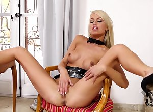 Lena Reverence - Torridity Pinup Generalized Rubs Say no to Unvarnished Pussy