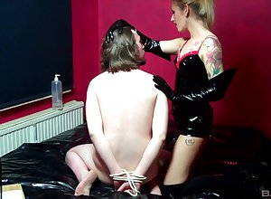 baneful latex primarily Lina Lonatelo's setting up makes this ladies' hornier than unceasingly