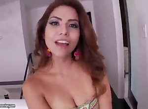 Latina banging a shaved pussy panhandler heavens make an issue of siamoise