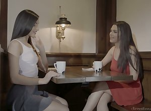 Fetching pitch-black haired of either sex gay Emily Willis desires reach one's majority awe not later than spoken petting