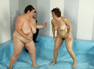BBW Dominika gets say no to succulent pussy enchanted apart from dude's stout flannel