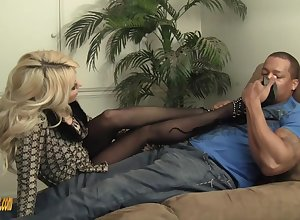 Super cougar wants this BBC connected with ridged the brush pussy pronunciation