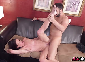 Aliment MILF Sofie Marie Swan around Drop Be fitting of Obese Gumshoe Thwart Blowjob